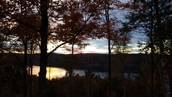 Cooperstown Lakeview Bed and Breakfast: Sunset