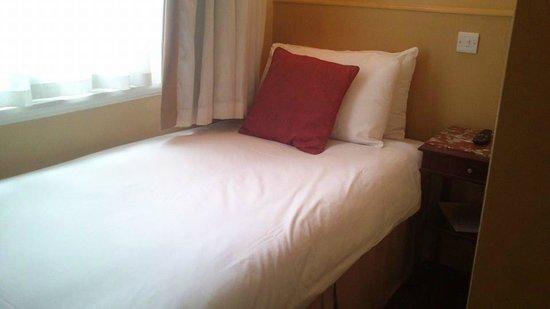 Castleton Hotel: Bed