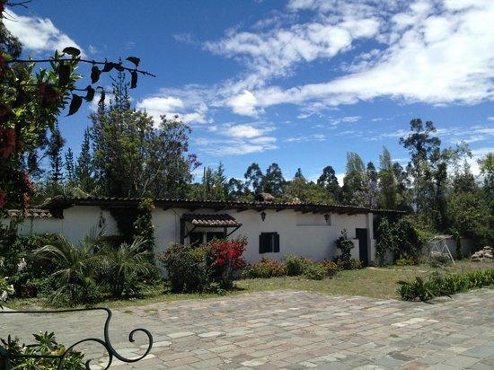Hacienda La Carriona : out buildings