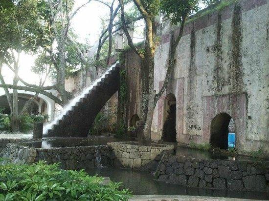 Hotel Hacienda Cocoyoc: escalera para el agua