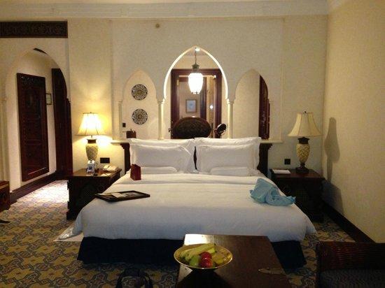 Jumeirah Mina A'Salam: Partial view of room.