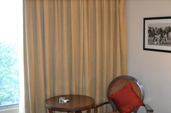 Royal Orchid Central Jaipur: Room