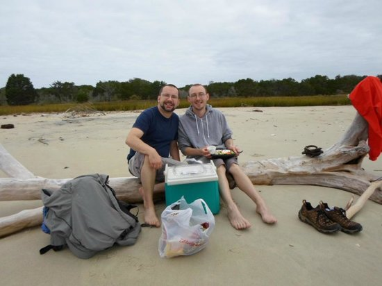 Rover Boat Tours - Carolina Rover: Our picnic on the beach
