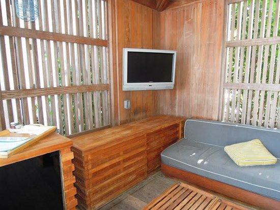 W South Beach: Cavana at outdoor pool