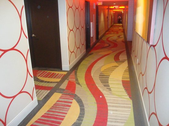 Golden Nugget Hotel: Rush Tower Gold Club Room Hallway