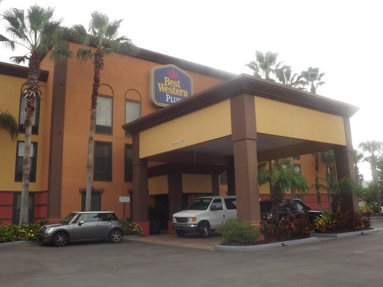 BEST WESTERN PLUS Universal Inn: Esterno hotel