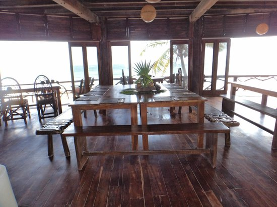 Amansala Eco-Chic Resort + Retreat: dining area