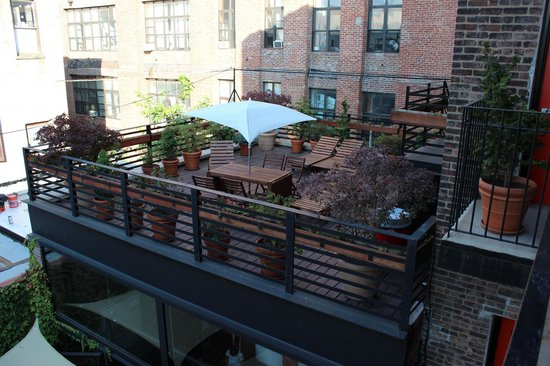 The New York Loft Hostel: Terrace
