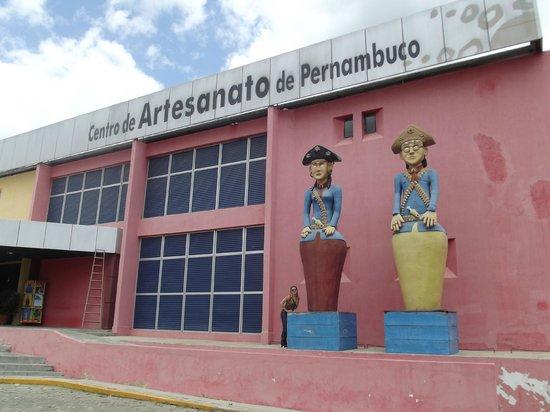 Bezerros, PE: Fachada do Centro de Artesanato de Pernambuco.