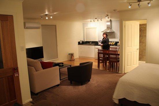 Aloft Boutique Accommodation Strahan : Apartment