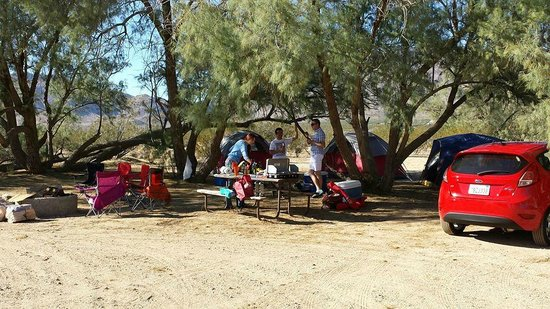 Butterfield Ranch Resort: Typical campsite setup