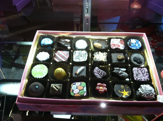 Sweet Paradise Chocolatier: Mouth Watering Lovlies!