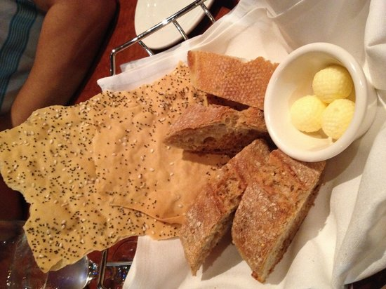 The American Grille : Bread