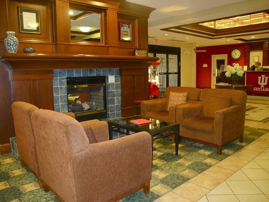 Hilton Garden Inn Bloomington: Lobby