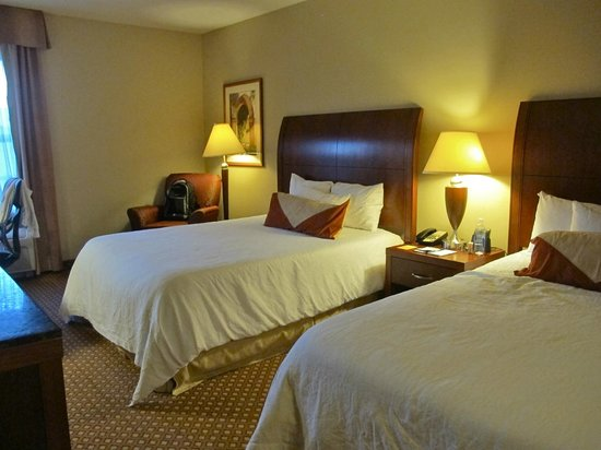 Hilton Garden Inn Bloomington: 2 Queen Beds