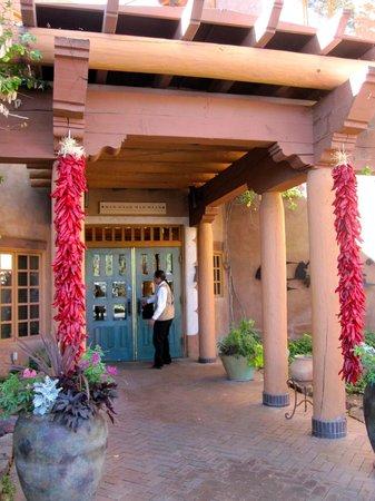 Hotel Santa Fe: entry