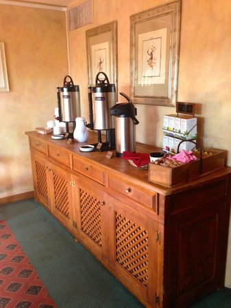 Hotel Santa Fe : coffee by elevator served in the morning