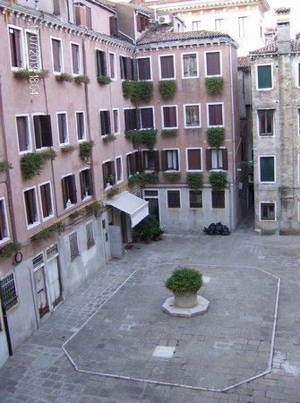 Hotel Laurus al Duomo: Vista desde la habitación