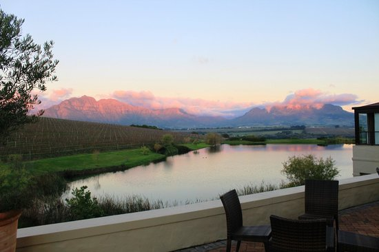 Asara Wine Estate & Hotel: Sundowners from Sansibar terrace