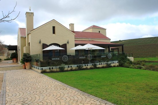 Asara Wine Estate & Hotel: Sansibar, Lounge, Cigar Room & Restaurant overlooking the dam.