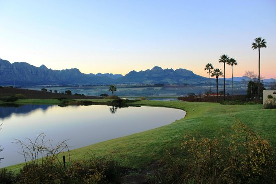 Asara Wine Estate & Hotel: Early morning view
