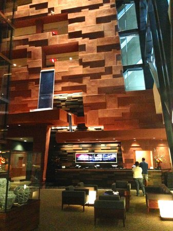 Isleta Resort & Casino : lobby and registration