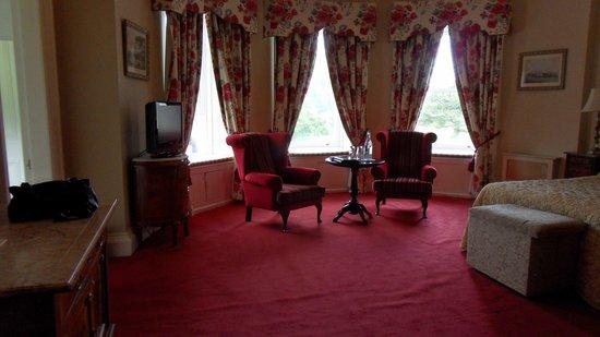 Ballyseede Castle: Sitting area in room