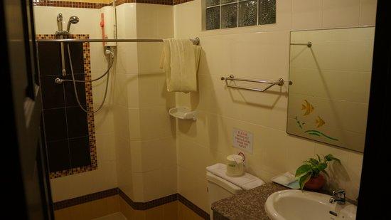 Thong Ta Resort: санузел номера на 1этаже