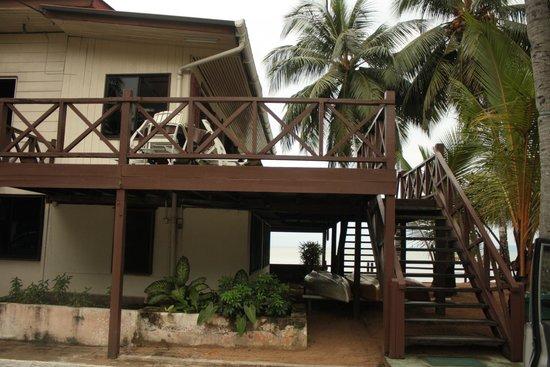 Seaside Travellers Inn: to the restaurant