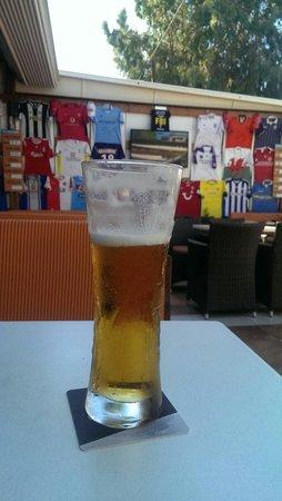 Glory Days Sports Bar and Grill : Efter 12 km vandring er der intet bedre end en øl på Glory Bar