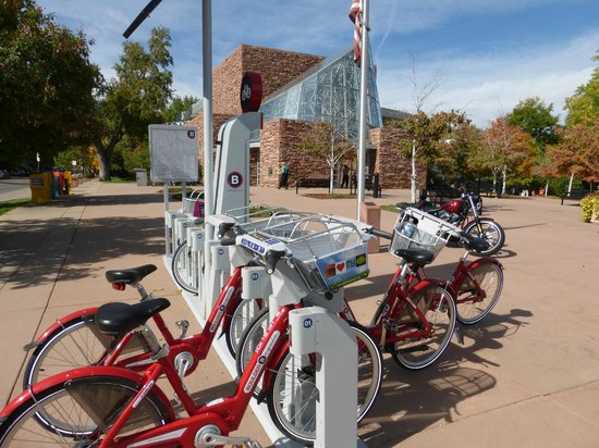 Boulder Marriott: Boulder B-cycles