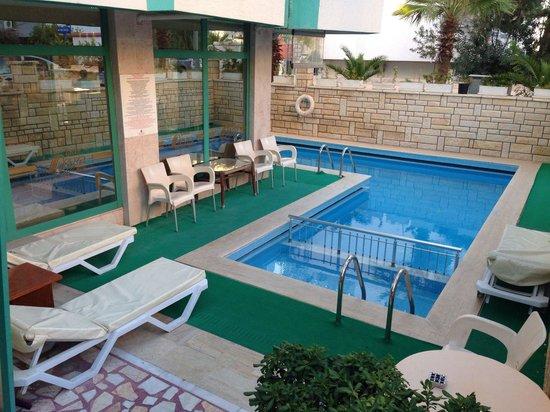 Green Beyza Hotel Antalya: Дворик