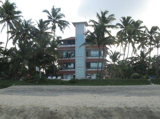 Palm Beach Resort: front of hotel