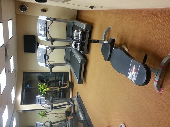 Fairfield Inn & Suites by Marriott Kelowna : Fitness room