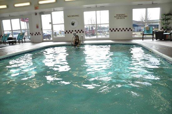 Residence Inn Appleton: pool area
