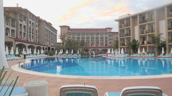Paloma Oceana Resort: piscine 1