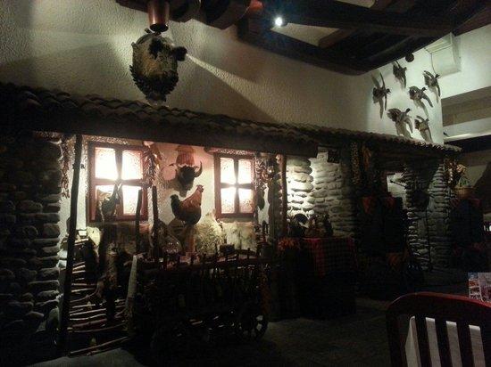 Restaurant Vodenitzata: Sala interna