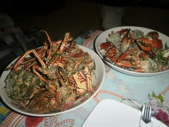 Mana Lagoon Backpackers : our seafood feast