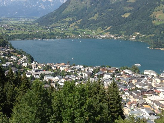 AlpenParks Residence Zell am See: View from the mountain