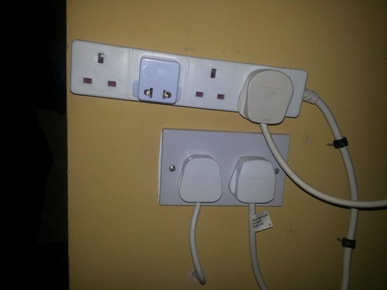 San Juan Guesthouse: Only B and B that realizes we need more than ONE outlet. Nice to get everything charged at once!