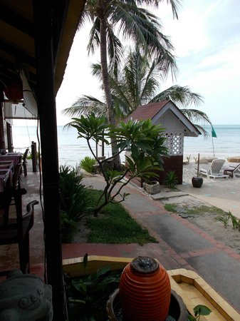 Seascape Beach Resort: at the bar