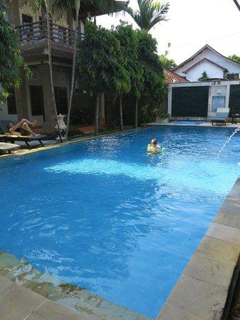 Puri Sading Hotel : Small Swimming Pool