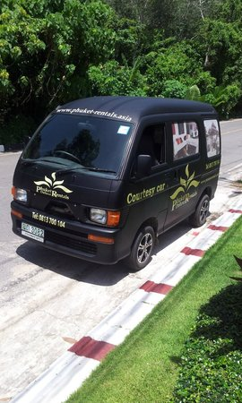 By The Lake Villas: The complimentary van ride