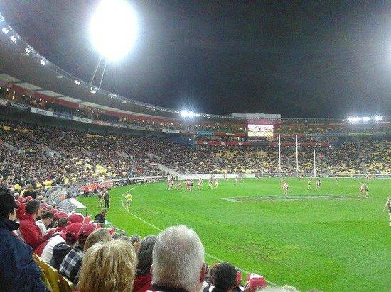 Westpac Stadium: St Kilda vs. Sydney in Anzac Day AFL Clash, Wellington