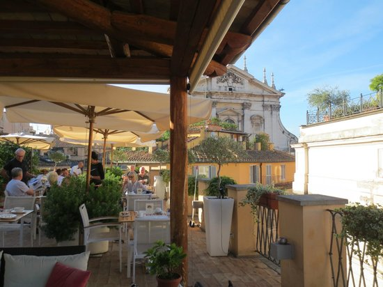 Albergo Cesari: Breakfast on the roof