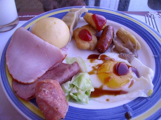 Einhan Resort: 早餐