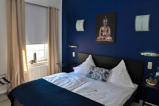 Doppelzimmer Picture Of Bensons Hotel Aachen Tripadvisor