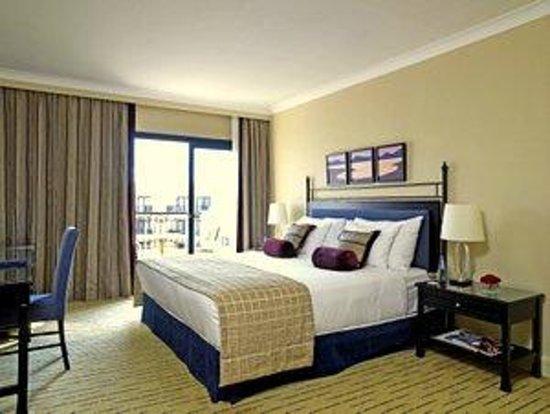 Corinthia Hotel St. Georges Bay: Executive Room