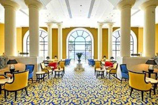 Corinthia Hotel St. Georges Bay: Lobby