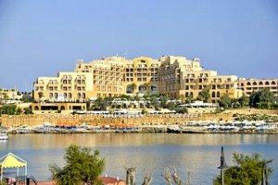 Corinthia Hotel St. Georges Bay: Corinthia Hotel St Georges Bay - Hotel Grounds